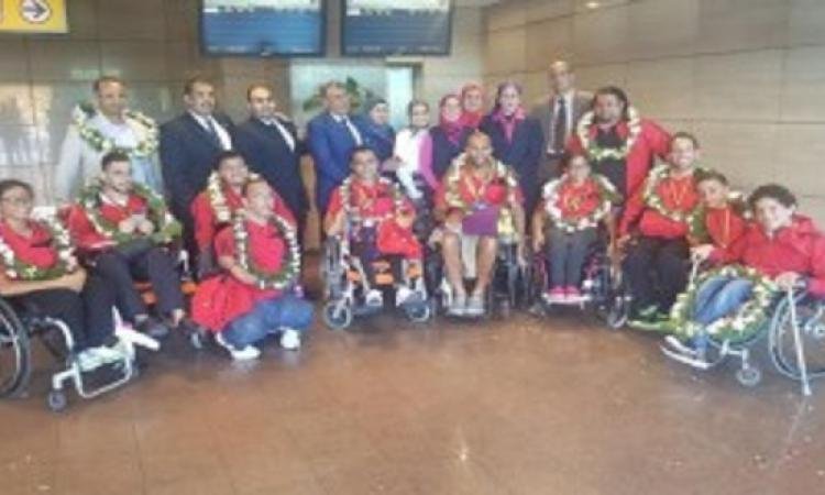 منتخب السباحة لمتحدى الإعاقة يصل من ألمانيا بـ 12 ميدالية وتأهله لبطولة العالم