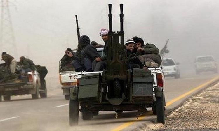 الميليشيات المسلحة بطرابلس تسطو على المنازل والبنوك