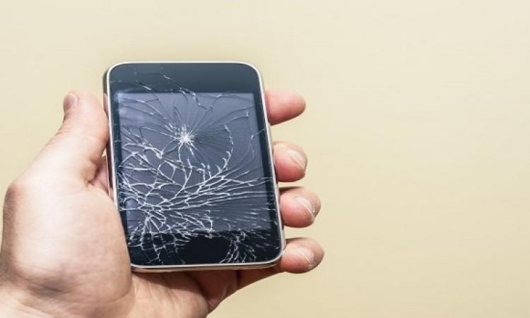 إذا انكسرت شاشة الهاتف .. إليك 4 طرق لاستعادة ملفاتك وصورك!