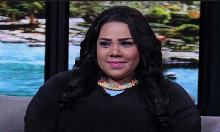 """بالفيديو.. حيلة ذكية من شيماء سيف للهروب من """"الزحليقة"""""""