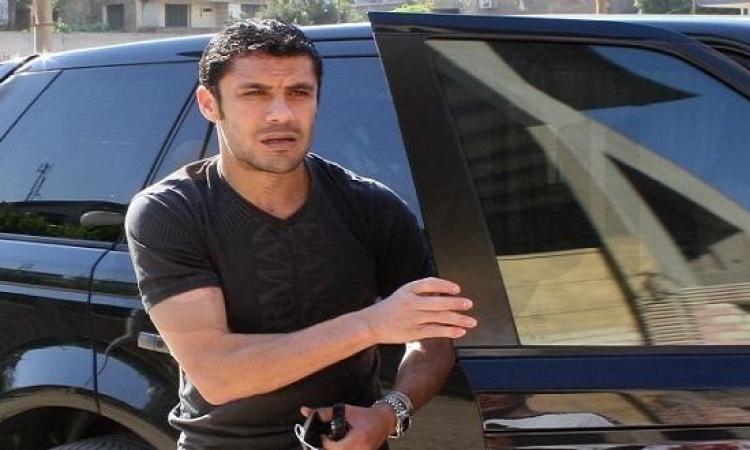 بالفيديو.. أحمد حسن يغنى بحفل حماقى بروسيا.. ويعلق: بحذره هو وتامر