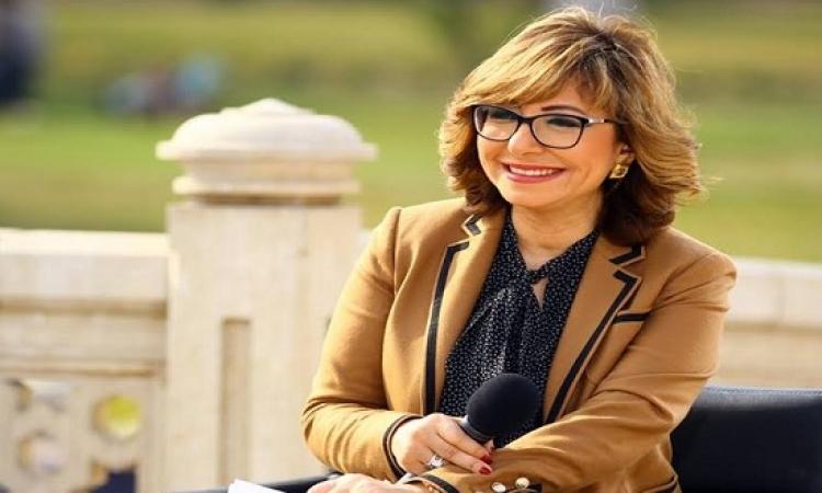 بالفيديو .. لميس الحديدى تسخر من ضيفها : مين يا حبيبى اللى بيعمل كده ابوك !!