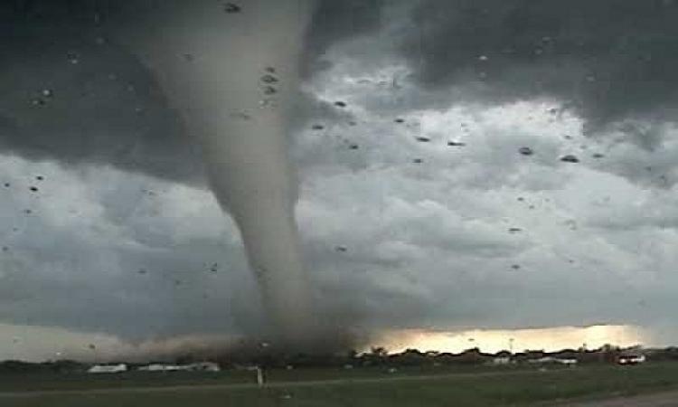 """الصين تتأهب لاقتراب هبوب الإعصار """"خانون"""" على سواحلها الجنوبية"""