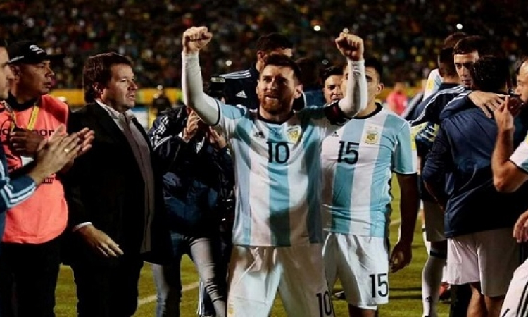 ميسى يقود الارجنتين للتأهل للمونديال بعد تسجيله ثلاثية فى الاكوادور