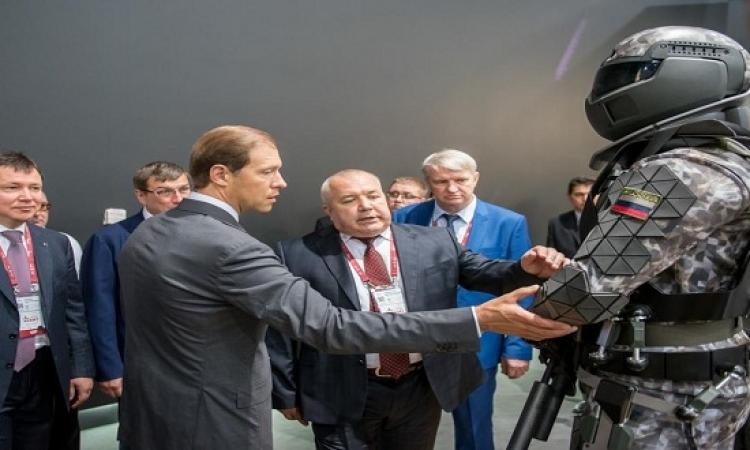 الجيش الروسى يطلق زيا جديدا مقاوم للإشعاعات النووية