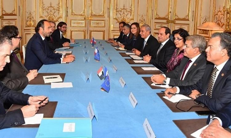 بالصور .. السيسى يبحث مع رئيس وزراء فرنسا تعزيز التعاون الثنائى