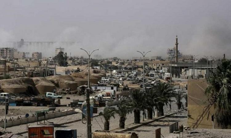 مقاتلى داعش السوريين يخرجون من الرقة .. والتحالف الدولى يرفض خروج الأجانب