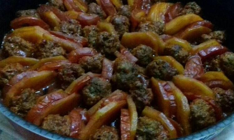 طبق اليوم .. الكفتة بالطماطم من مطبخ منال العالم