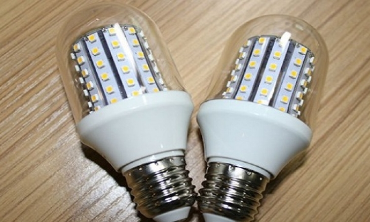 الكهرباء توزع 60 مليون لمبة ليد