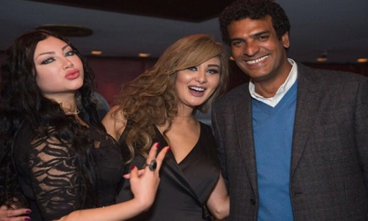 بالصور .. نور الكاديكى تحتفل بعيد ميلادها مع صناع السر