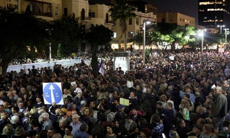 """عشرات الآلاف من الاسرائيليين يشاركون فى مسيرة """"العار"""" ضد نتنانياهو"""