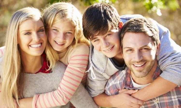 كيف تكسبين صداقة ابنك المراهق ؟!