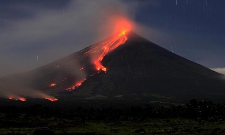 """امتداد حمم بركان """"مايون"""" بالفلبين لأكثر من 3 كيلومترات"""
