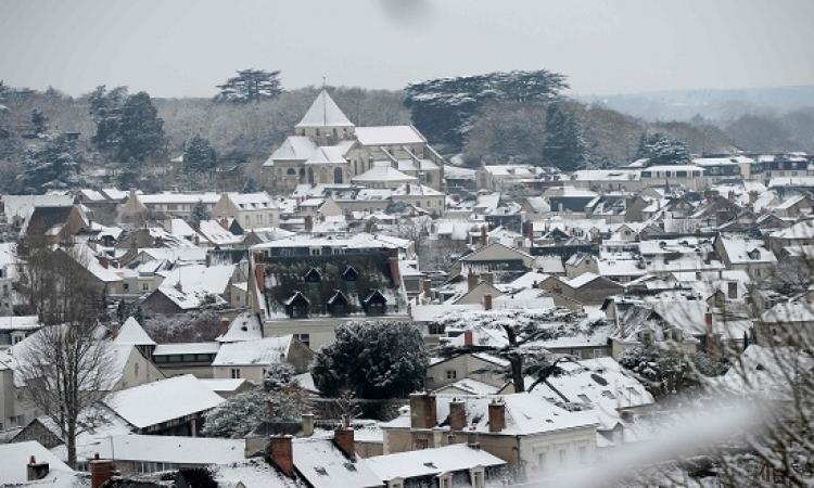 إلغاء عشرات الرحلات الجوية بمطارات باريس بسبب تساقط الثلوج
