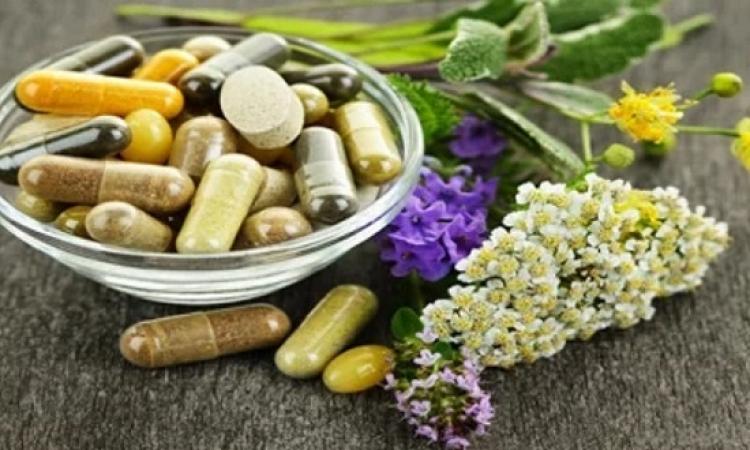 تناول الأعشاب مع الأدوية قد يكون قاتلاً