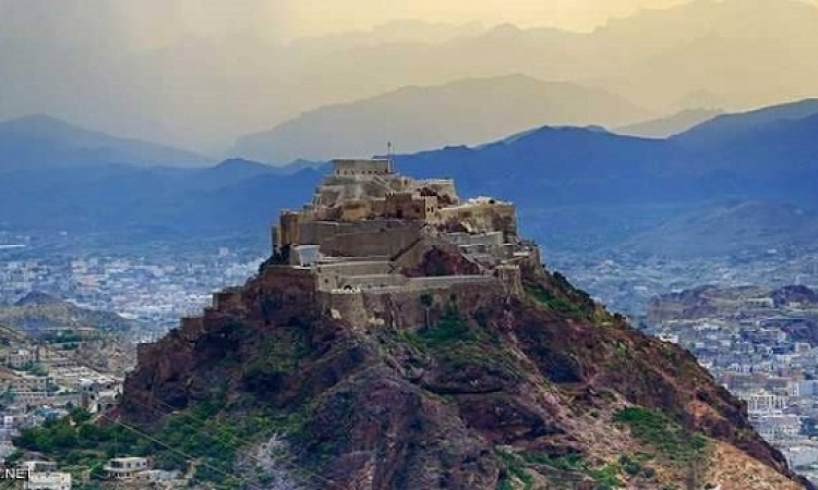 القوات اليمنية تسيطر على جبل حيد الحمام الاستراتيجى غرب تعز