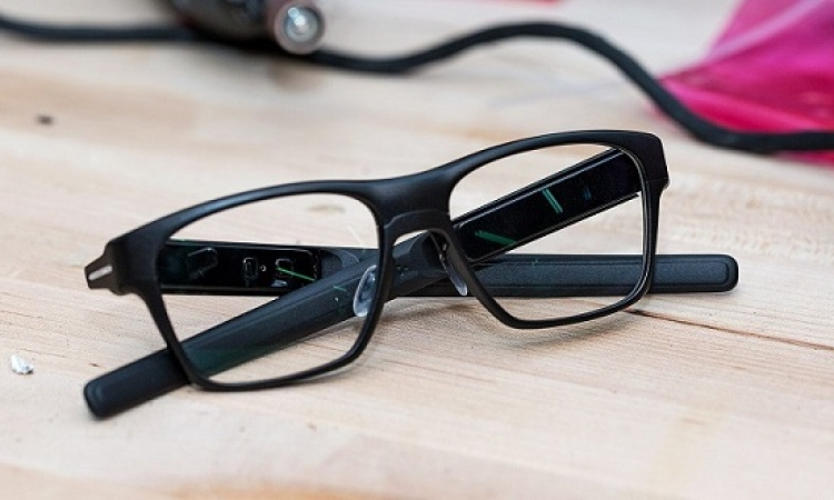 شركة انتل تصنع نظارة ذكية بقدرات خاصة
