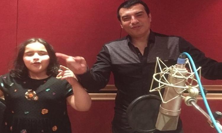 """بالصور.. """"أشرقت"""" تشارك إيهاب توفيق أغنية جديدة لعيد الأم"""