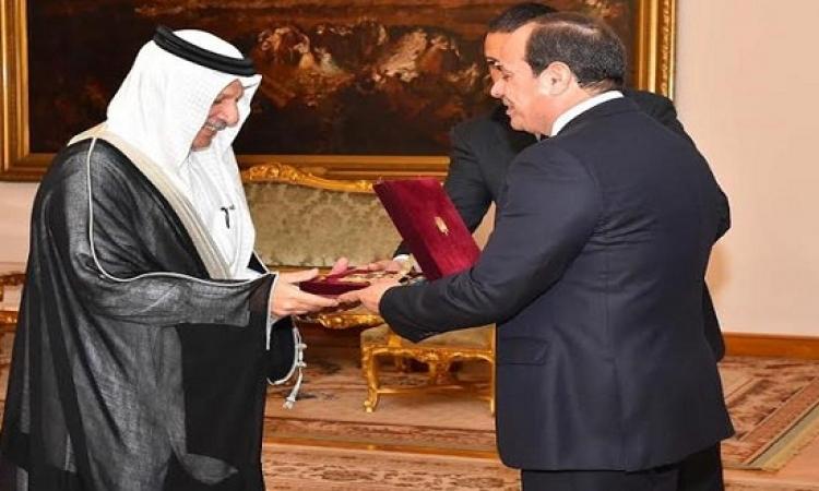 بمناسبة انتهاء عمله بالقاهرة.. السيسى يمنح السفير السعودى وشاح النيل