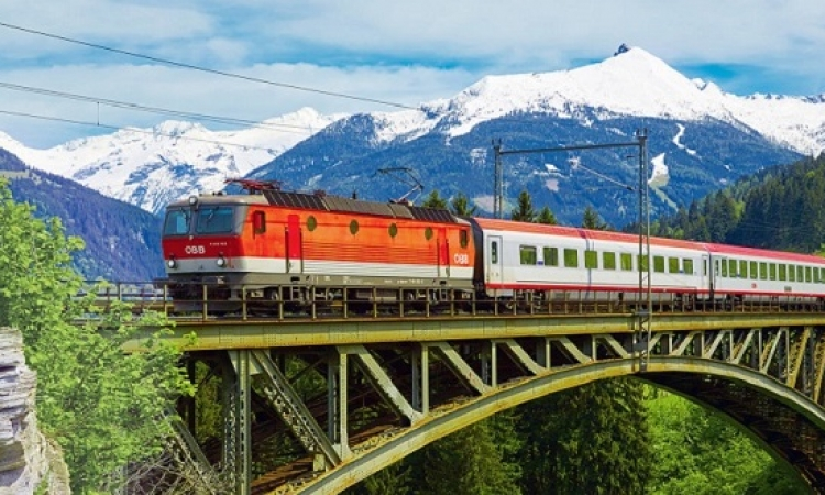 16 رحلة خيالية بالقطار تمنحك ذكريات لا تنسى