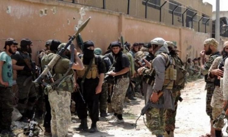 جيش الإسلام يبدأ بتسليم أسلحته الثقيلة والمتوسطة في الضمير شمال سوريا