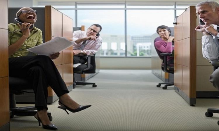 دوشة العمل خطر على صحتك .. وغرف الهمس هي الحل