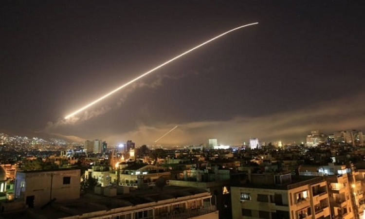 40 قتيلاً و60 جريحاً في هجوم صاروخي اسرائيلى على حماة وحلب