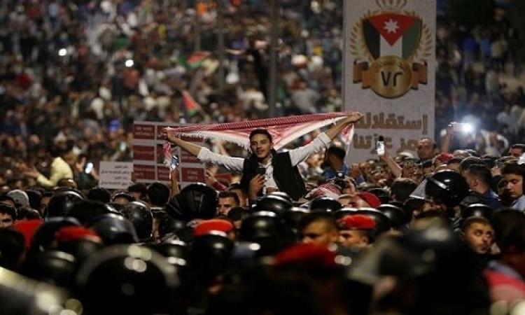 تواصل الاحتجاجات الشعبية فى الأردن رغم استقالة الحكومة