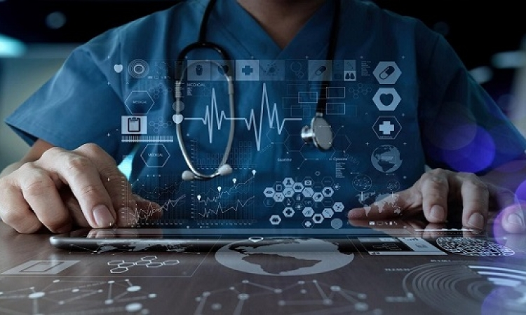 الاستشارات الطبية عبر الإنترنت تنجح في حل 60% من الحالات
