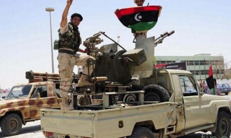 الجيش الليبى يتقدم فى أحياء درنة .. وضبط أسلحة قطرية بمنزل زعيم القاعدة بالمدينة