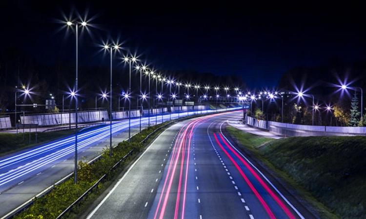 المالية : 1.5 مليار جنيه لإنارة الشوارع بكشافات موفرة للطاقة