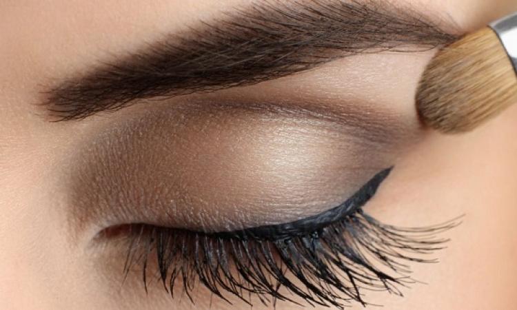 5 نصائح تجعل عينيكِ تبدوان أكبر من حجمهما الحقيقي