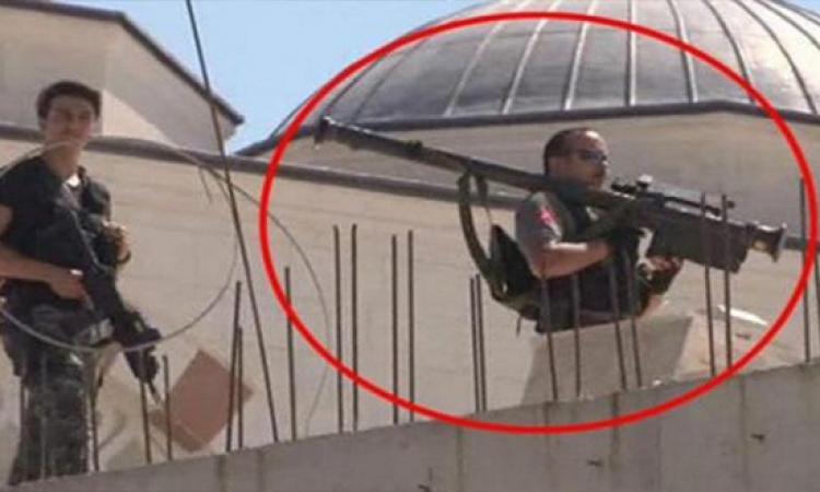 """أردوغان يحمى نفسه بصواريخ """"دفاع جوى"""" أثناء تفقده لمسجد بأسطنبول"""