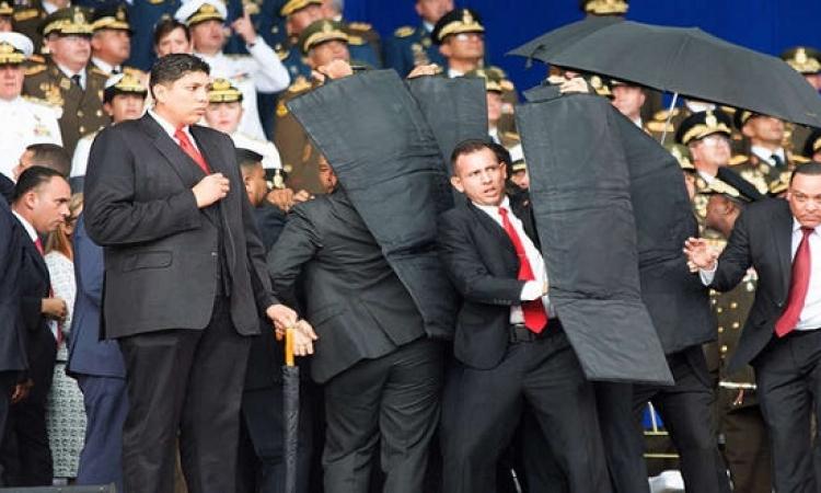 بالفيديو .. رئيس فنزويلا ينجو من محاولة اغتيال باستخدام طائرات درونز