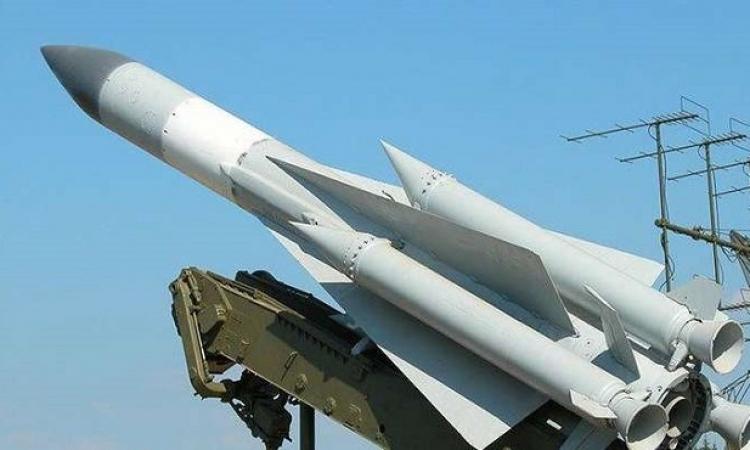 """الدفاع الروسية : طائرة إيل -20 أسقطت خطأ بصاروخ من منظومة """"إس-200"""" السورية"""
