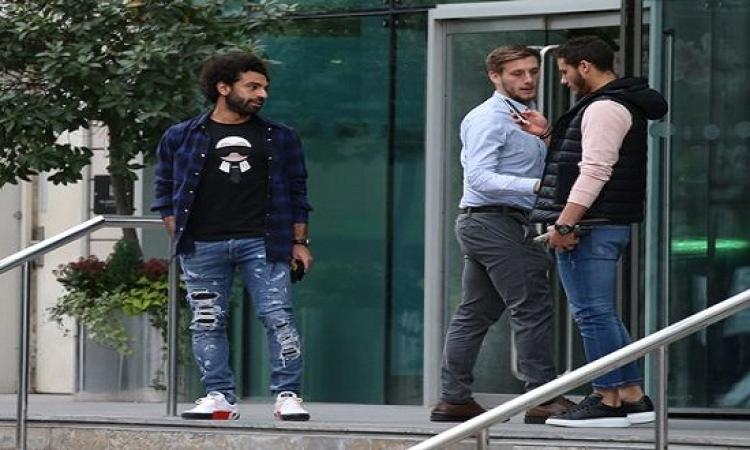 محمد صلاح يثير الجدل بزيارة فندق مورينيو