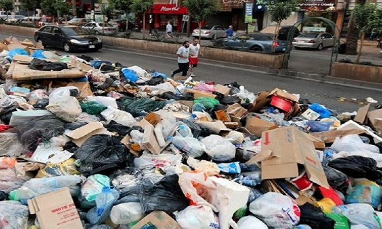 النبش عن الثروة والصحة والسياحة في تلال القمامة