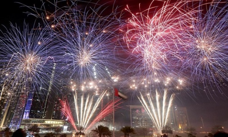 أبوظبي تدخل موسوعة جينيس بلوحة الالعاب النارية فى رأس السنة