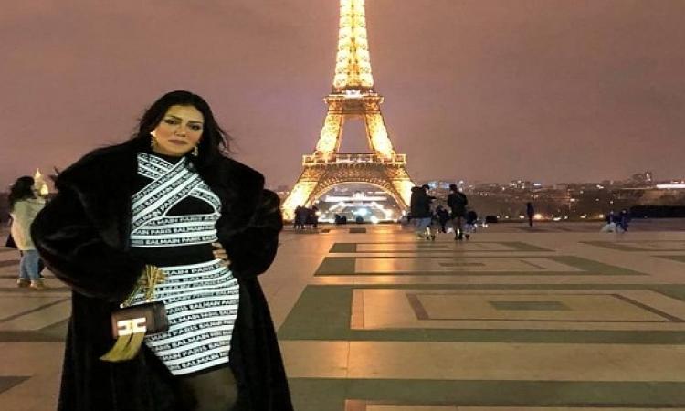 بالصور .. إطلالة راقية لرانيا يوسف أمام برج إيفل بباريس