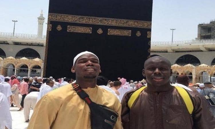 بوغبا يترك الجدل الرياضى ويتجه إلى مكة