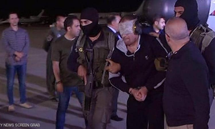 مصر تتسلم الإرهابى هشام عشماوى من السلطات الليبية