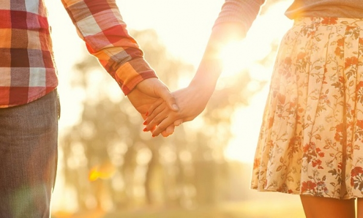 هل يؤثر الطقس ودرجات الحرارة على الرغبة الجنسية؟