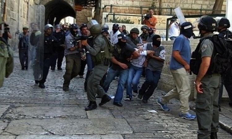 القوات الإسرائيلية تقتحم الأقصى وتعتدى على المعتكفين فى ذكرى احتلال القدس