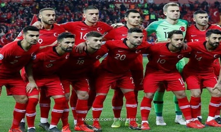 المنتخب التركى لكرة القدم يتعرض للإهانة فى مطار أيسلندى