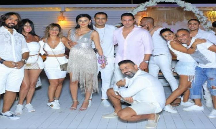 بالصور .. هبة السيسى تحتفل بزفافها على شاطئ البحر
