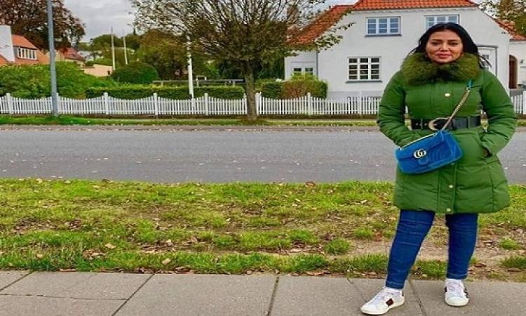 """بالصور .. إطلالة شتوية بالأخضر لـ""""رانيا يوسف"""""""