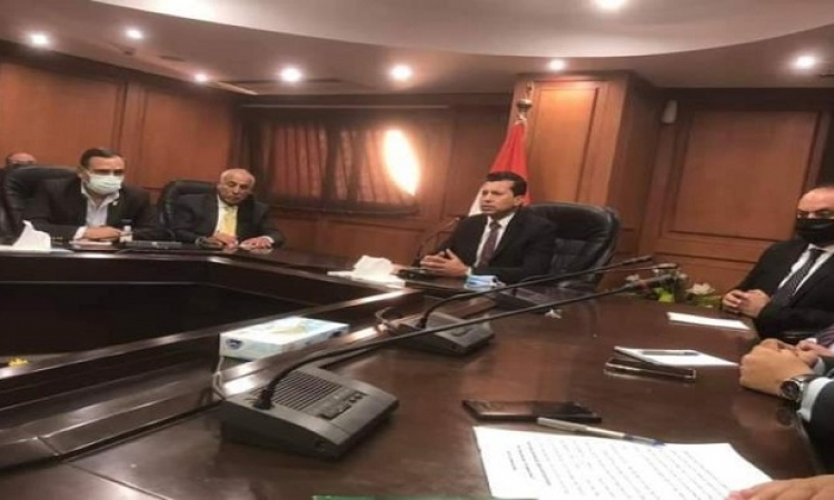 وزير الشباب والرياضة يعلن تعيين لجنة جديدة لإدارة نادي الزمالك برئاسة الكابتن حسين لبيب
