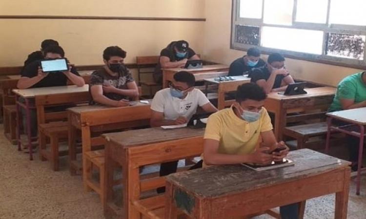 طلاب الثانوية العامة دور ثان يؤدون اليوم امتحان اللغة الأجنبية الثانية