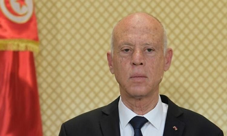 الرئيس التونسي يعلن قرب تشكيل الحكومة ويلمح إلى إمكانية تعديل الدستور