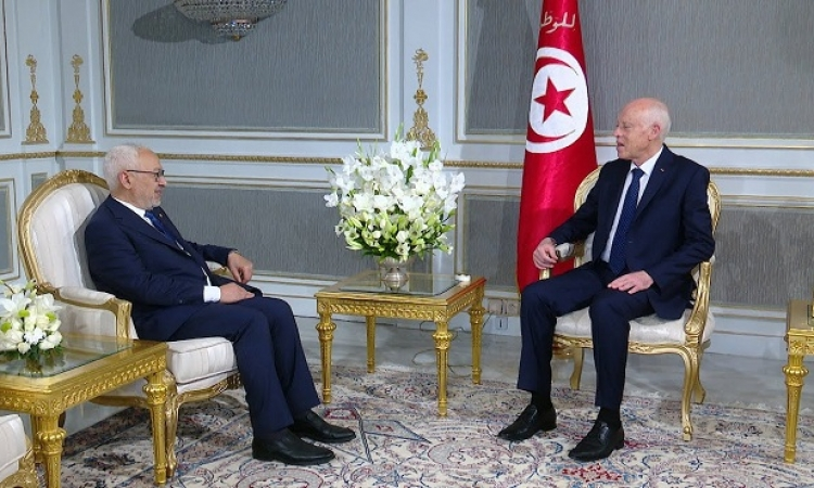 جذور الخلاف بين رئيس تونس وحزب النهضة والمشيشى